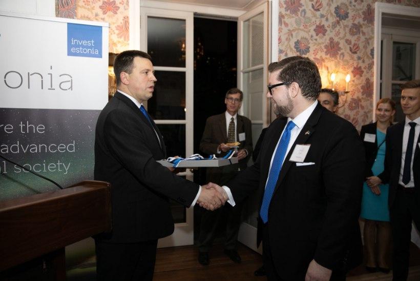 FOTO   Peaminister avas New Yorgis EASi esinduse