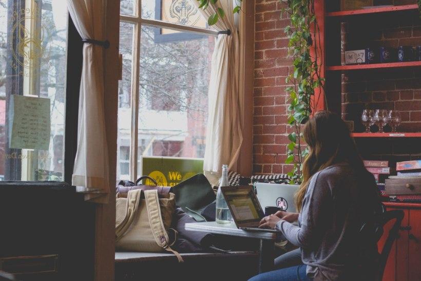 Pane tähele! 10 asja, mida kohvikus töötades teha ei tohiks