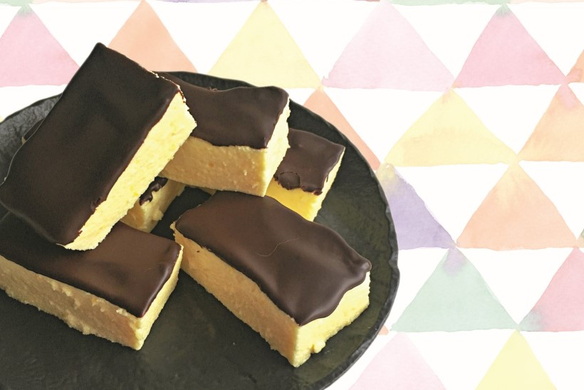 RETSEPT | Slaavi köögi kullavaramu: sidrunimekiga linnupiimakommid