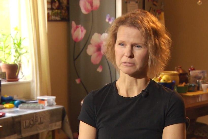 VIDEO | Agressiivse vähiga võitlev naine reisis USAsse, et otsida abi Eestis keelatud ravikanepist