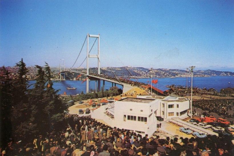 MINEVIKUHETK | 30. oktoober: valmis esimene Euroopat ja Aasiat ühendav sild