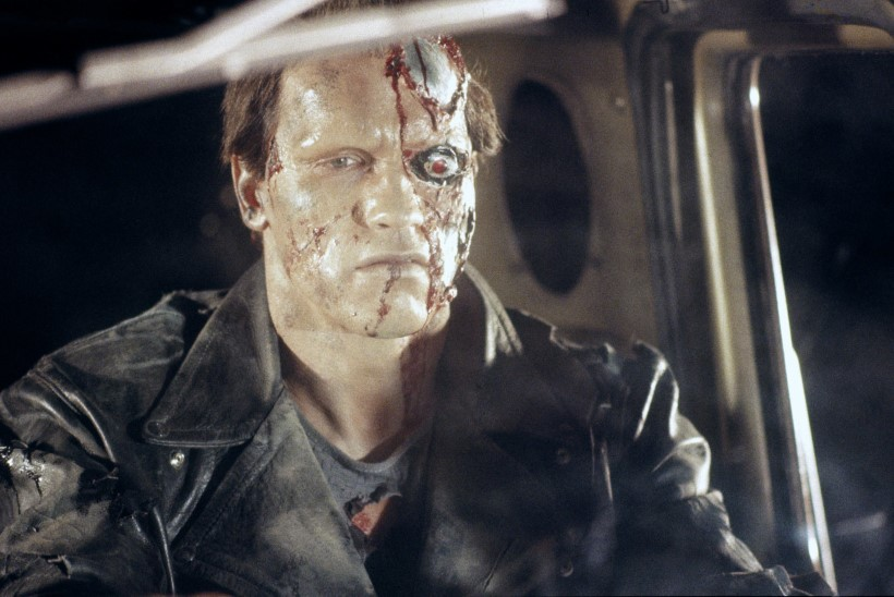 Tapamasin Terminaator on uues filmis kardinakaupmees Carl