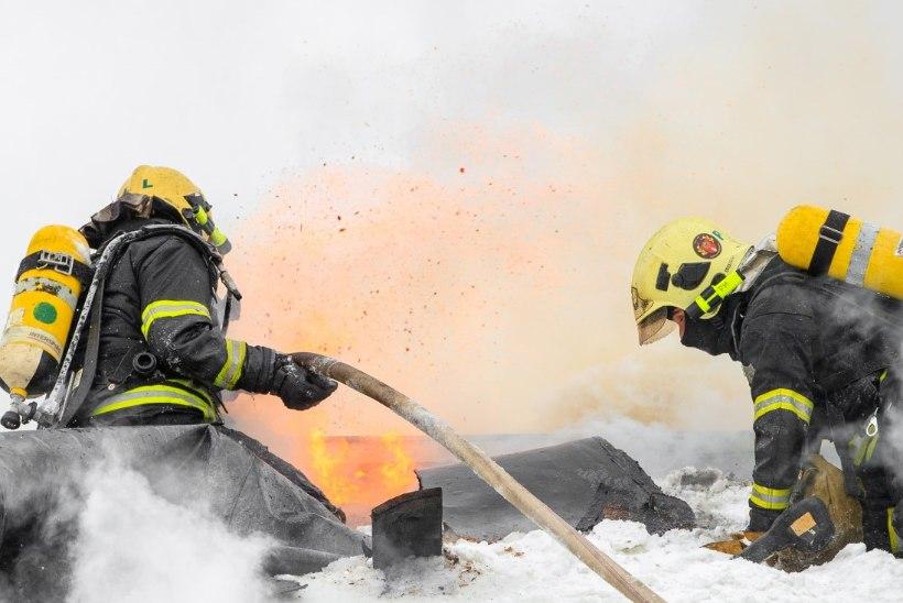 VARINGUD JA KUKKUMISED: päästjad saavad enim viga kesk tulemöllu inimesi aidates