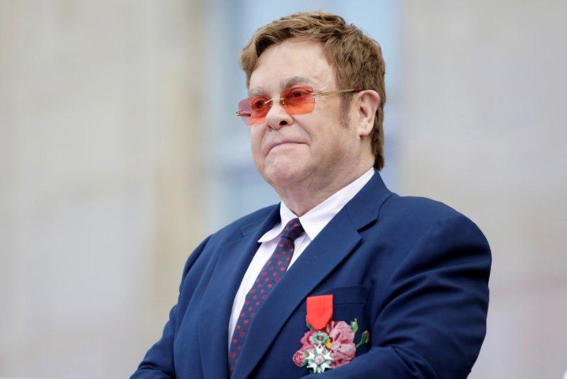 Elton John paljastab: oleksin operatsioonijärgsetesse tüsistustesse peaaegu surnud