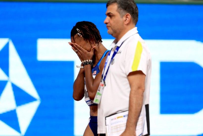 FOTOD | Tõkkejooksu olümpiavõitja MM lõppes pisarais