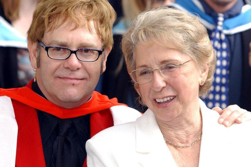 """Surmasuus Elton John: """"Jumal, palun lase mul veel oma lapsi näha!"""""""