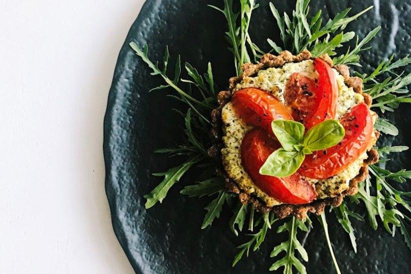 Tõeliselt hõrk suutäis: tomati ja basiiliku quichette'id