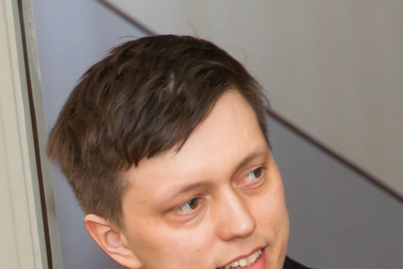 SELFI KADUNUKESEGA: eestlasedki käituvad samamoodi nagu prantslased oma presidendiga