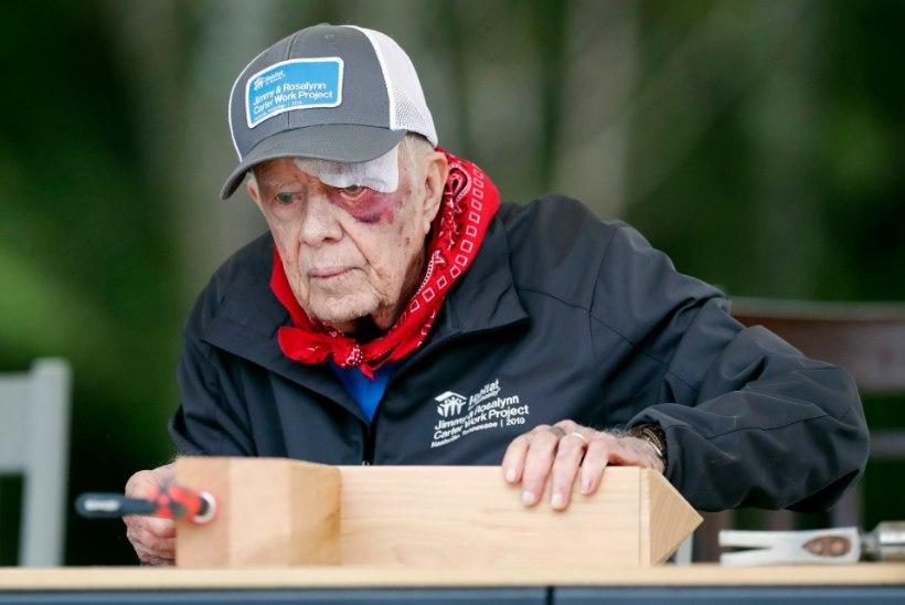 VIDEO | USA ekspresident Jimmy Carter ilmus rahva ette sinise silmaga