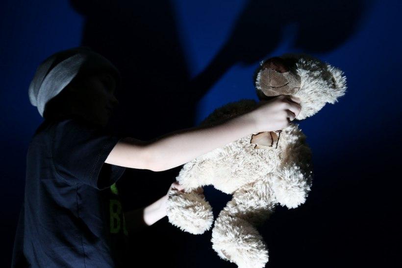 11aastane poiss hoiab õpetajaid ja õpilasi hirmul. Ema arvates on tegemist koolipoolse norimisega