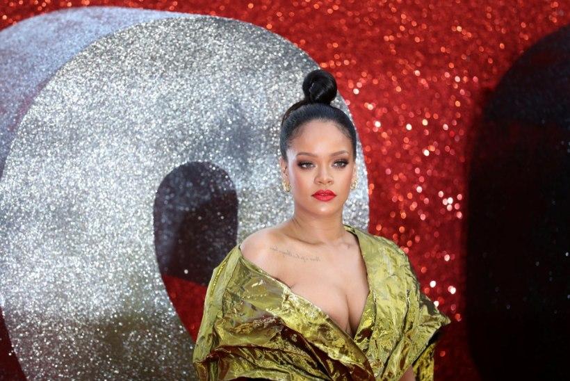 Rihanna annab välja 150dollarilise elulooraamatu