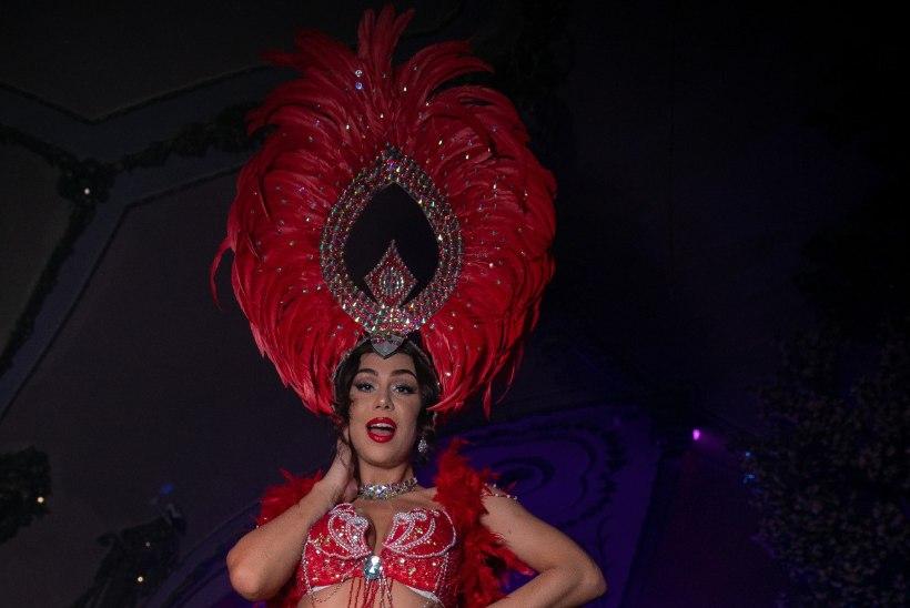 PEOGALERII | Pealinna ööelu on kirev, kui südasuvine Rio karneval!