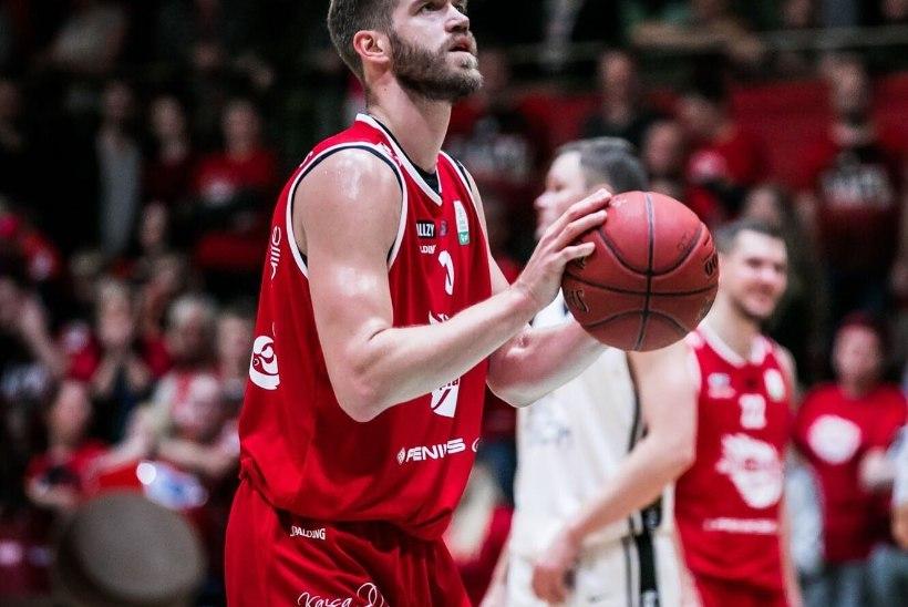 KAHJU! Eesti korvpallikoondislasel on taas põlvega probleeme, sel aastal ta enam platsile ei saa