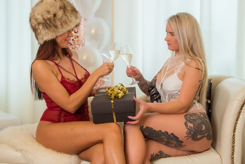 KUUM GALERII | Naiselik.ee esitleb eriti seksikaid, kuid samas maitsekaid jõulukingitusi!