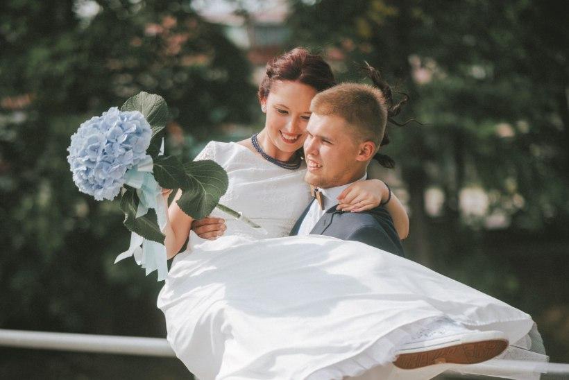KOGEMUSLOOD | Kuidas pidada vähese kuluga ägedad pulmad?