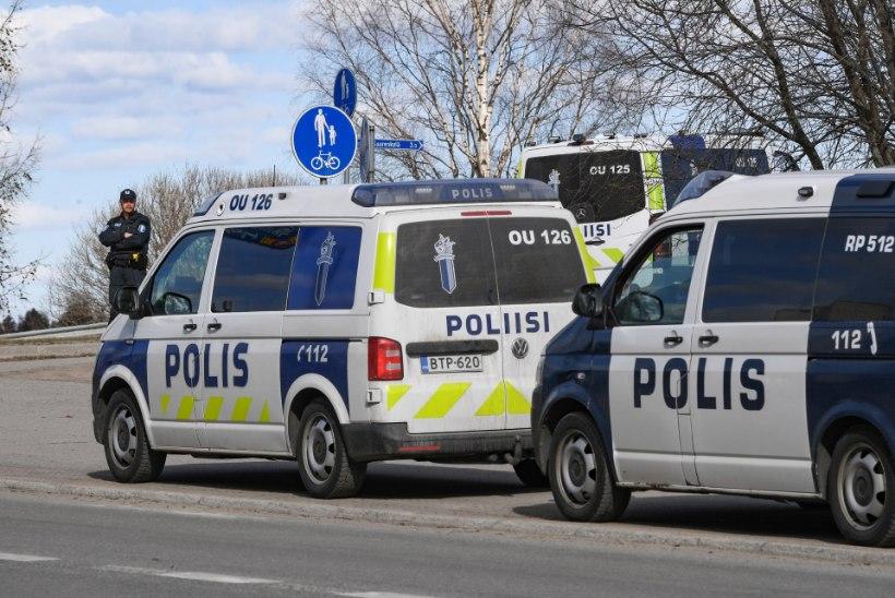 Soomes üritas pätt ärandada eestlase autot, milles magas kolm last
