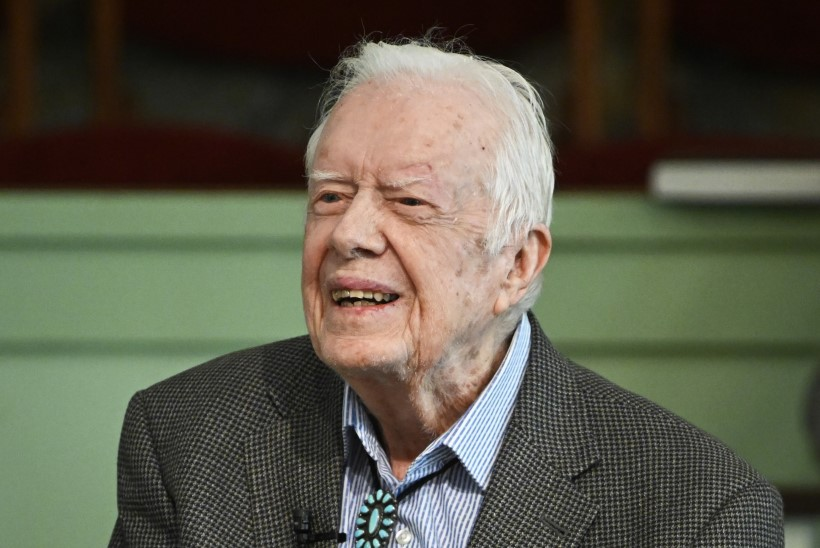 USA ekspresident Jimmy Carter toimetati haiglasse