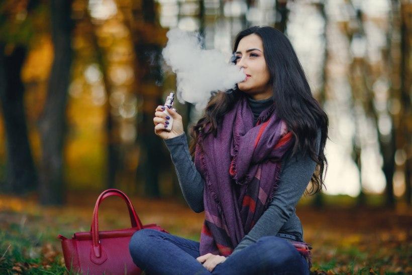 Mitmed riiklikud organid toetavad e-sigarettide abil suitsetamisest loobumist