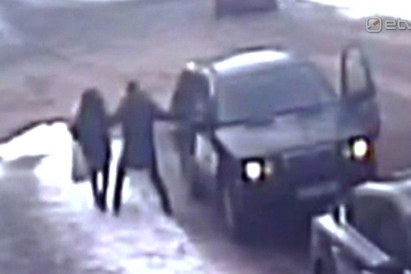 USKUMATU JUHTUM TALLINNAS: invaliid röövis päise päeva ajal talle parkimistrahvi teinud kontrolöri