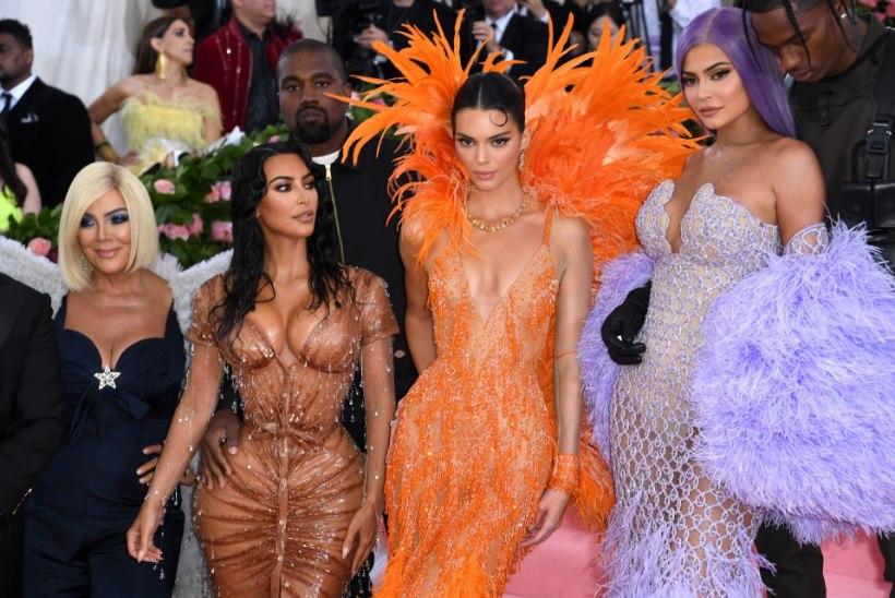 Kardashianid pidasid toidusõda, sotsiaalmeedia raevutseb
