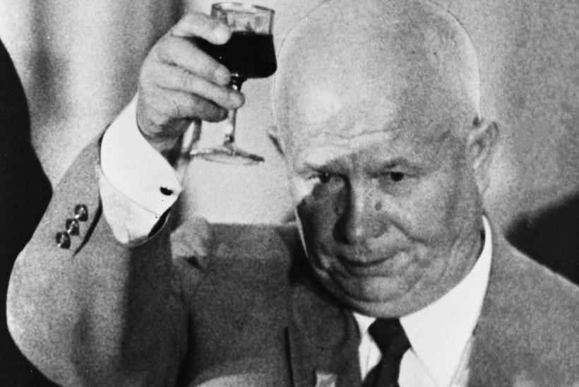 MINEVIKUHETK | 15. november: Hruštšov kutsus Ameerikat üles sõbralikule raketivõistlusele