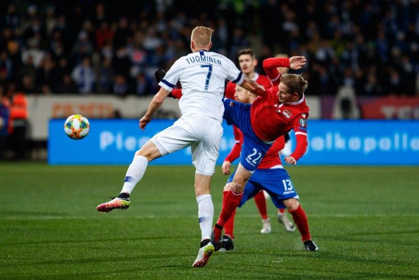 ÕL HELSINGIS | FOTOD JA VIDEO | EMile jõudnud Soome jalgpallurid panid vutifännid rõõmust nutma