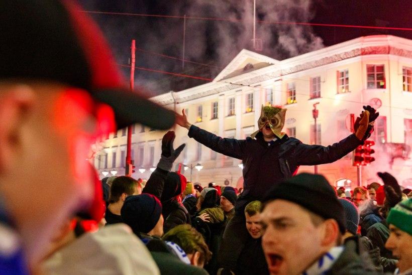 ÕL HELSINGIS | FOTOD JA VIDEO | Soome vutifännid näitasid, kuidas tuleb EMile jõudmist tähistada