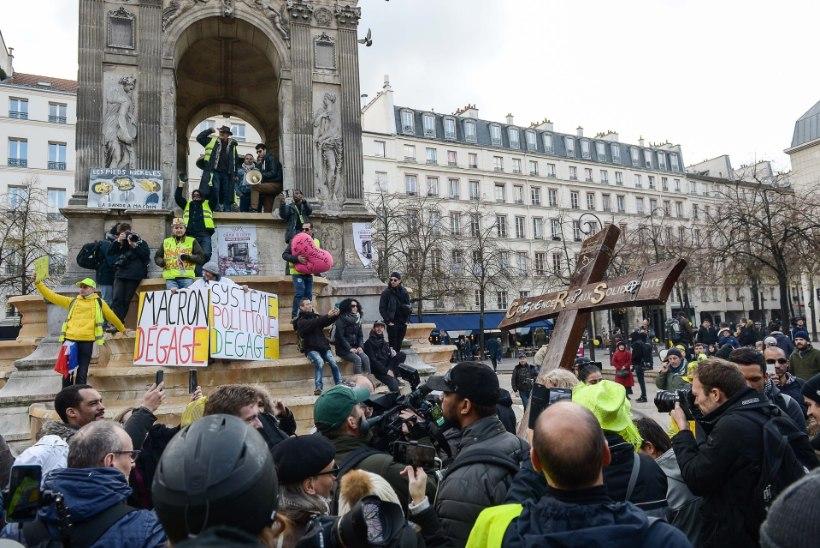 Prantsusmaal tulid kollavestid taas tänavaile