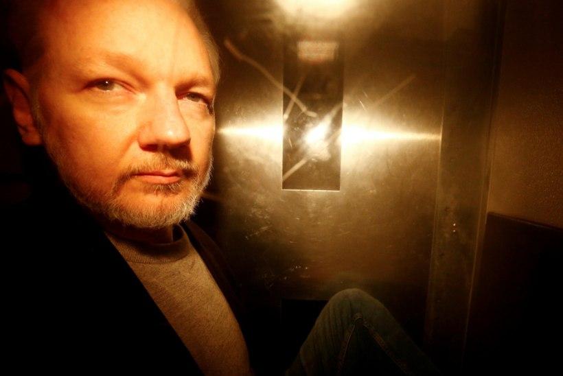 Rootsi loobus vägistamissüüdistusest Julian Assange'i vastu