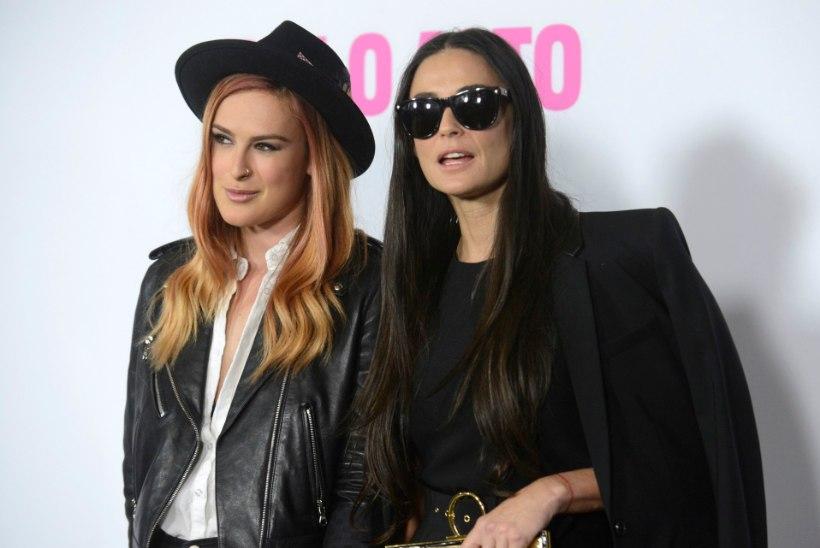 Demi Moore'i tütred meenutavad, kuidas emast sai koletis