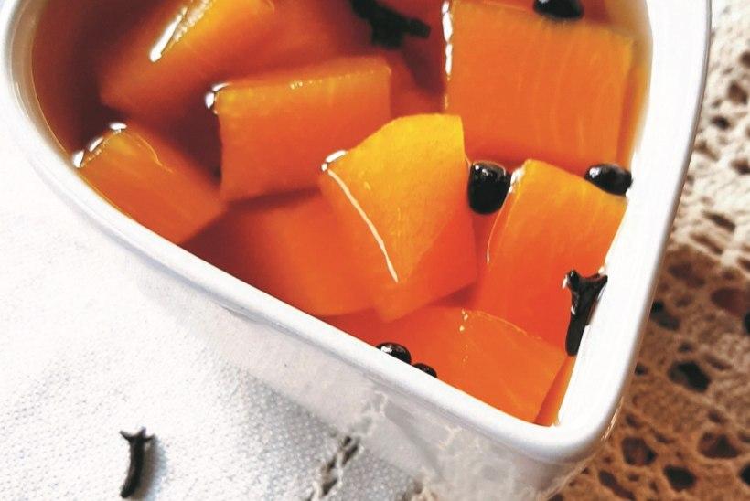 Ole jõuludeks valmis! Pane purki köömnepeedid, tsitruseline kõrvitsamoos ja krehvtine õunasinep!