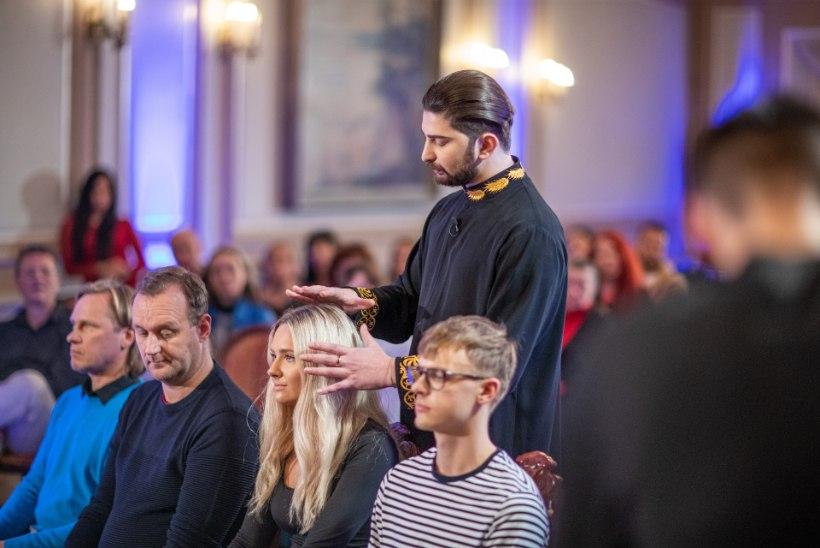 """TOHOH! """"Eesti selgeltnägijate tuleproovi"""" võitja ennustas Brigitte Susanne Hundile, et näeb neiu elus Roniga tulevikku?"""