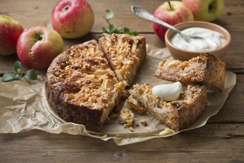 NÄDALA KOOK | Õrna kardemonimekiga õuna-martsipanikook