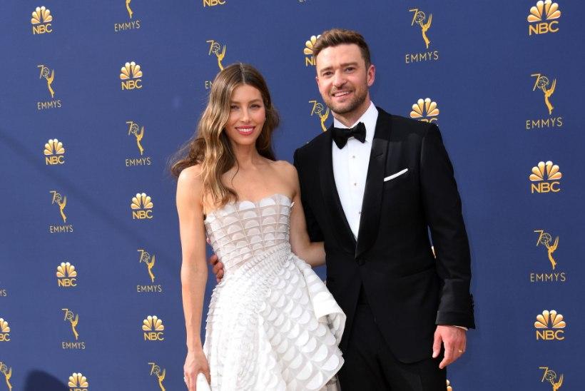 Abielumees Timberlake tabati teise naisega käsikäes – ja ilma laulatussõrmuseta!