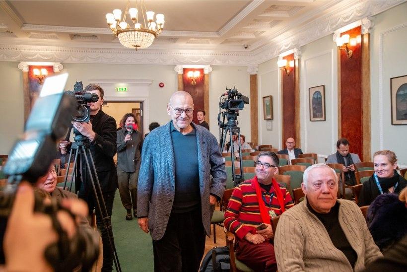 GALERII   PÖFFi elutööauhinna pälvis Vene filmilavastaja Andrei Kontšalovski