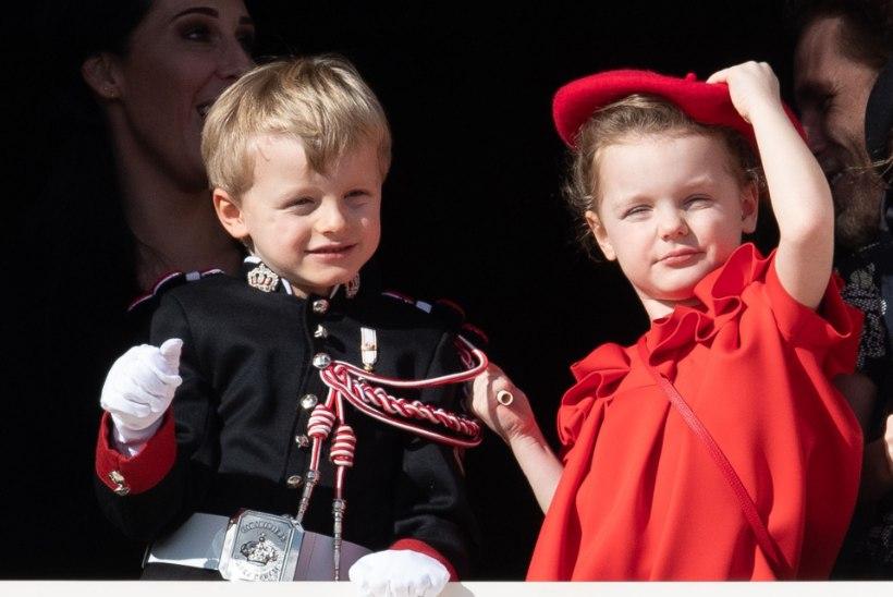 Monaco vürstinna kaksikud võtavad ema tihti võhmale
