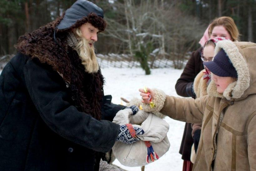 Põnevus ja melu Vabaõhumuuseumis – pööriöine pulmapidu, jõuluküla ja svjatkad!