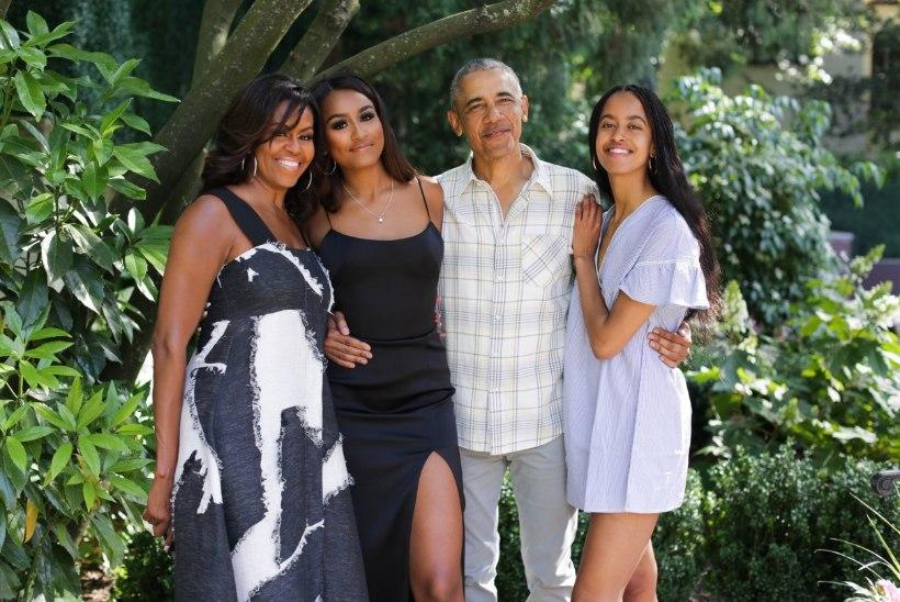 Obamad avaldasid tänupüha puhul armsa pereportree