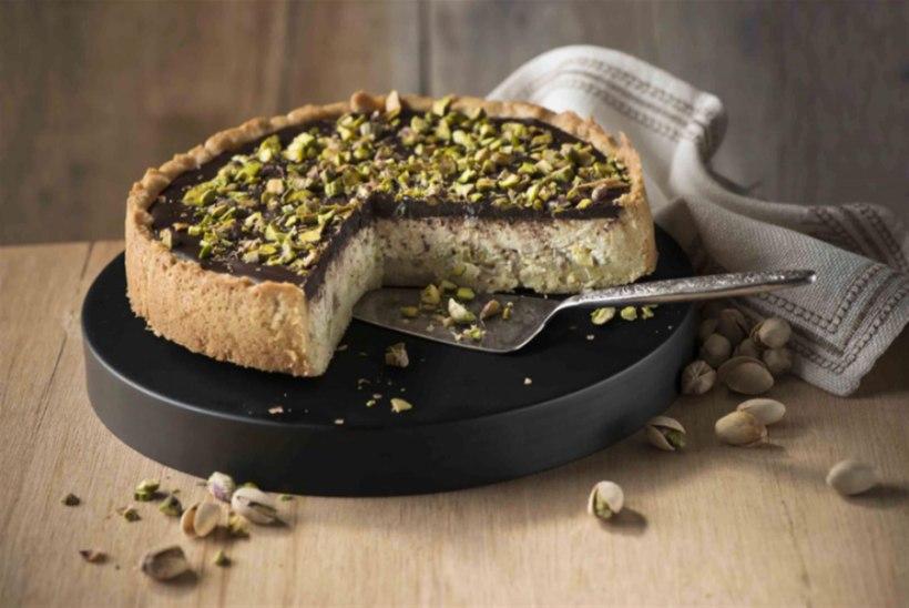 Kodujuustu-mascarpone-kook pistaatsiapähklitega