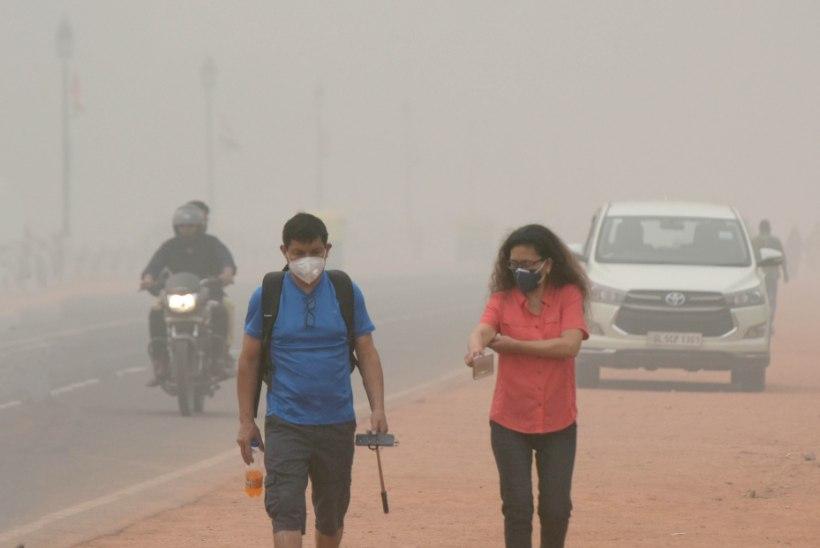 MÜRGINE SUDU: Delhi võimud piiravad äärmusliku õhureostuse tõttu sõidukite kasutamist