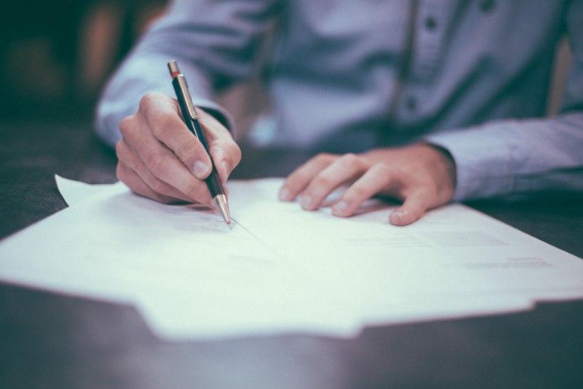 LUGEJA KÜSIB | Kas kirjaliku töölepingu puudumisel võib firmast päevapealt lahkuda?