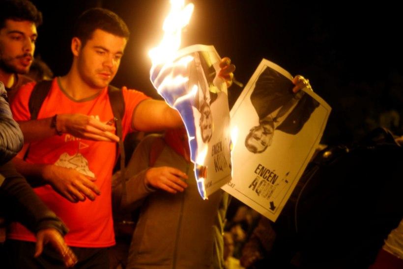RAHUTUSED BARCELONAS: Kataloonia separatistid põletasid Hispaania kuninga pilte