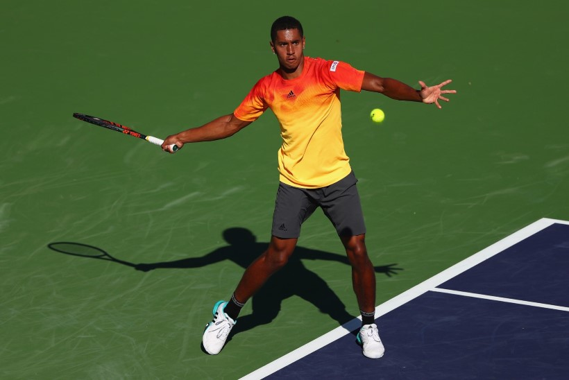 VIDEO | Närvi läinud tennisist viskas reketiga kohtuniku pikali, aga see pole veel kõige kummalisem