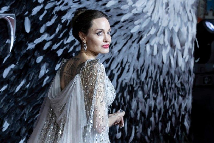 Angelina uue filmi võtteplatsilt leiti lõhkekeha, staar evakueeriti