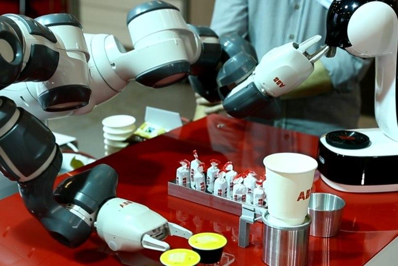 ÕL VIDEO | TULEVIKU TÖÖJÕUD: nutikas robot valmistab kohvi ja pakub kommi