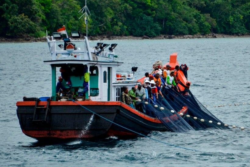 Põhja-Korea kalurid tapsid 16 kolleegi ja pagesid Lõunasse, kust nad kohe tagasi saadeti