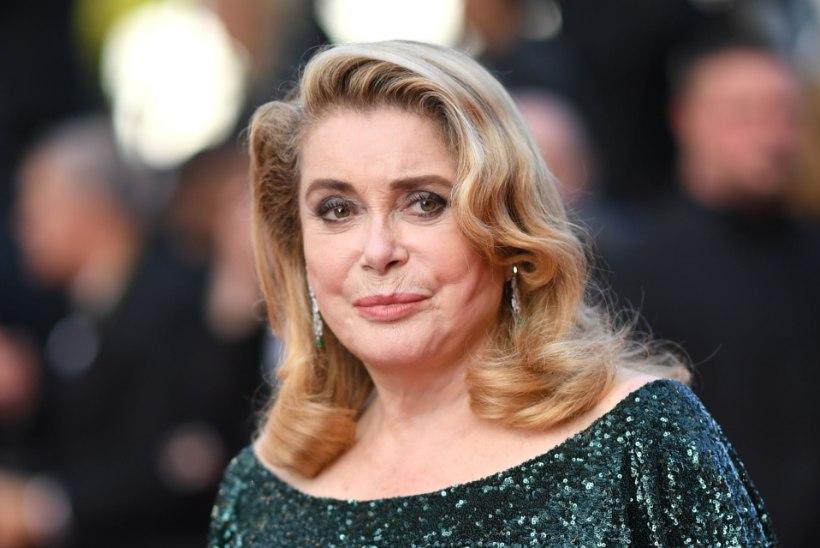 Prantsuse näitlejannat Catherine Deneuve'i tabas insult