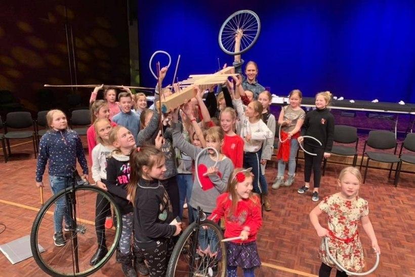 VIDEO | NAELAD JA SUUSAD: helivõlur Silver Sepp jämmib üllatuspillidel Eesti suurimal laste muusikafestivalil