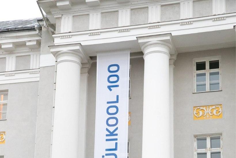 FOTO | Tartu ülikool ehib end suureks pidupäevaks