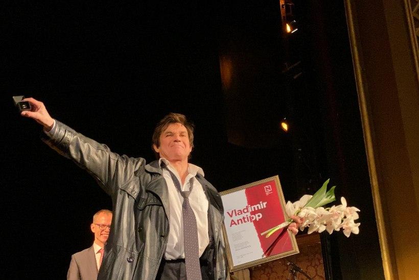 FOTOD | Vene Teatri näitleja Vladimir Antipp sai Eesti Näitlejate Liidu auliikmeks